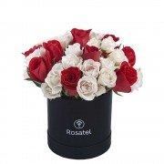 Sombrerera Negra Mediana con 10 Rosas y Mini Rosas