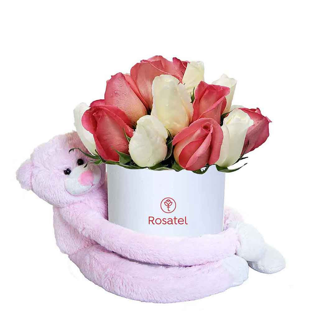 Sombrera Blanca Mediana con 21 Rosas Rosadas, Blancas y Amoroso Rosado