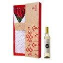 Caja 3R Natural con 12 Rosas Rojas y Vino Santa Julia Tardío