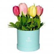 Sombrerera Turquesa con 9 Tulipanes
