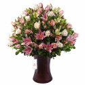 Kero Marron con Rosas Rosadas y Cremas