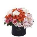Sombrerera Negra Pequeña con Rosas y Mini Rosas